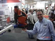 3ARM...HANDLING Ergonomic EMOTIONS: 2011-04 GERMANY-Hannover Messe (2).JPG